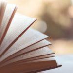 本を読んで学ぶ