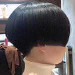 前髪長めのショートヘア
